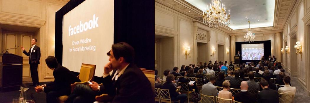 un homme parle devant un micro face à uns salle pleine à un séminaire sur l'application Facebook